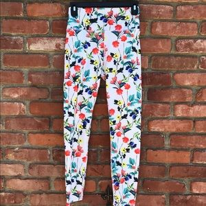 Fabletics Lissette PowerHold Poppy Field Capri